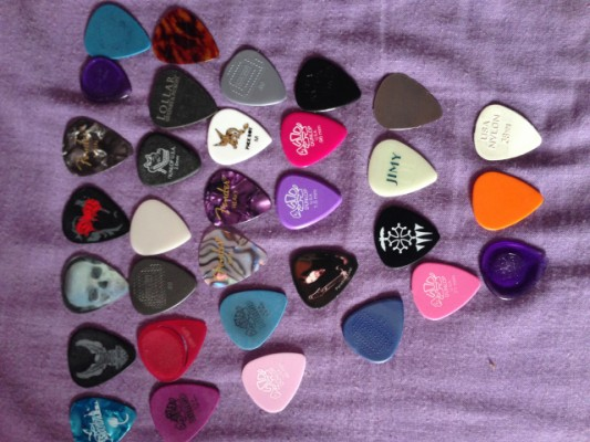 púas Fender, Dunlop... metal, nylon,... a estrenar