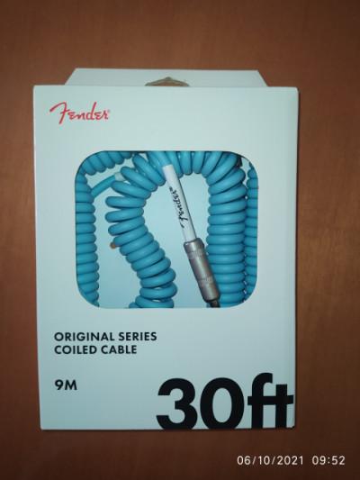Fender coil cable Daphne Blue (cable rizado 30 pies / 9 metros)