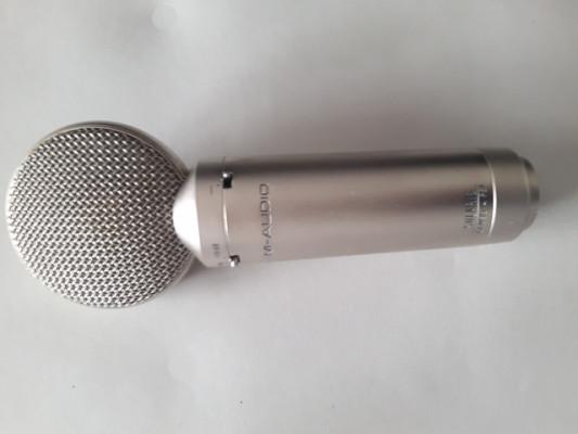 Microfono de estudio a condensador M Audio  SOLARIS