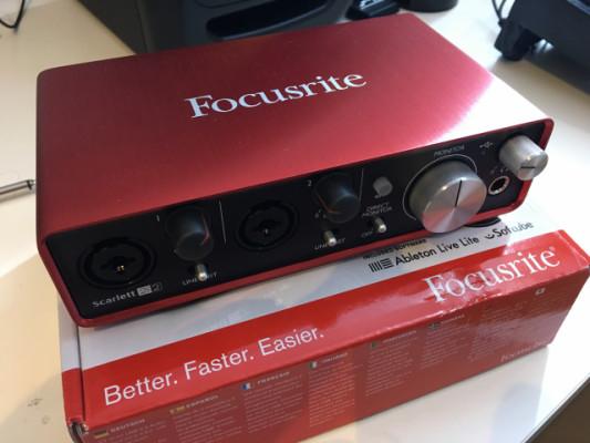 Tarjeta de sonido Focusrite 2i2 2nd generación
