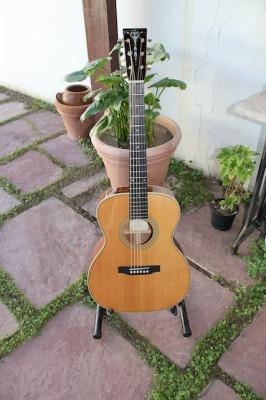 Recording King RO126. Guitarra acústica tamaño 000
