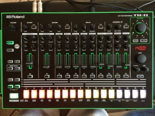 Roland Tr-8 con expansion 7x7