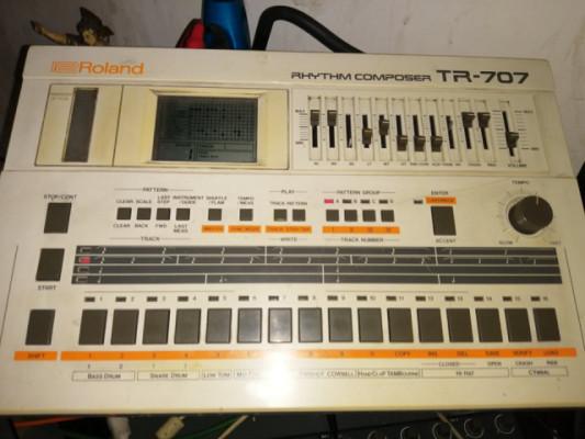 Roland TR 707
