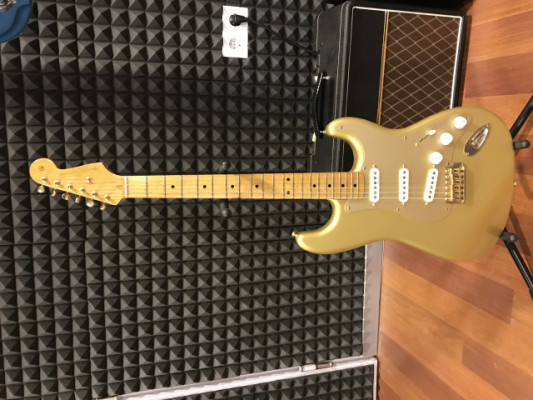 Fender Strato aztec gold limited edition