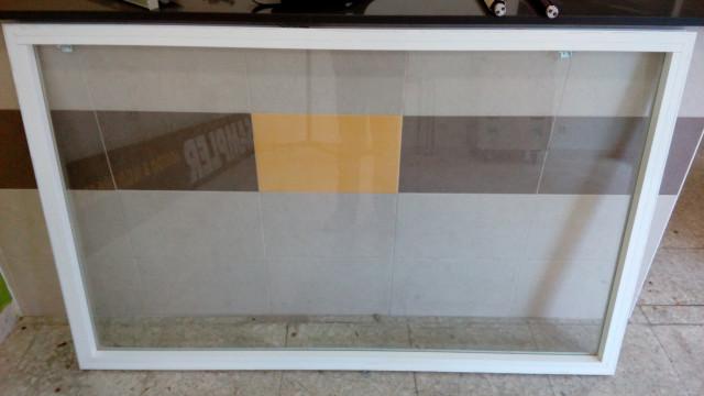 CRISTALERA,VENTANA aluminio fija con PERSIANA 160X100