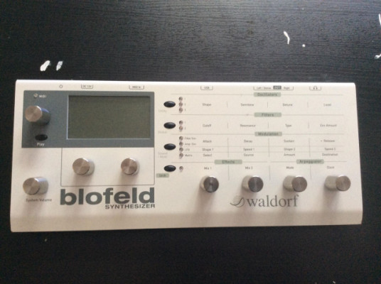 Blofeld desktop sintetizador