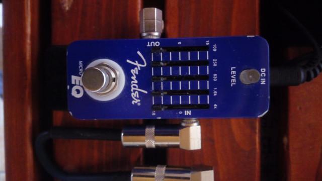 -Fender micro EQ (Ecualizador)