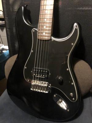 Fender USA...muy modificada.... nueva.