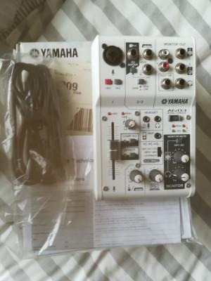 YAMAHA AG03 Mezclador de 3 canales con interfaz de audio USB