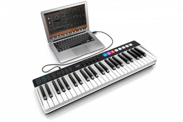 Controlador Irig Keys I/O 49 con funda original