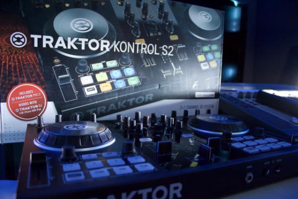 Kontrol S2 MK2 + Traktor licencia como nuevo
