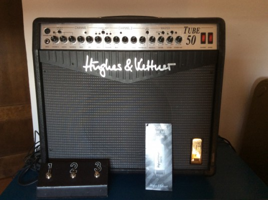 Vendo combo Hughes & kettner Tube 50  (editó cambios)