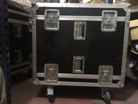 Flight Case amp. 16u. Disponibles 3 unidades , nuevos utilizados en demo.