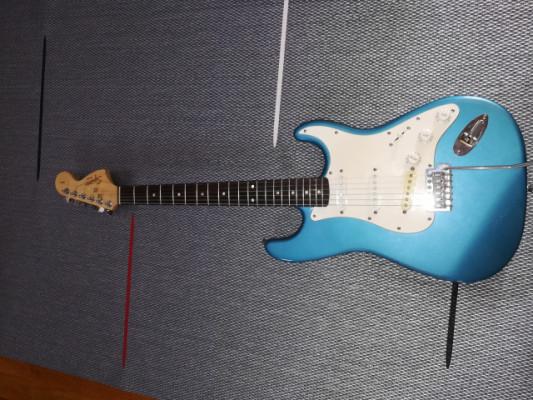 Guitarra squier con pastilla dimarzio dp 111