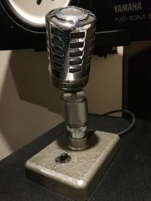 Micrófono Vintage RIBBON Reslo RV años 60 en perfecto estado