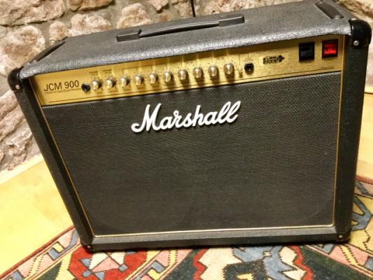 Marshall JCM 900 (4102)