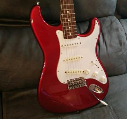 Fender Stratocaster Japan 2007 , correa y estuche