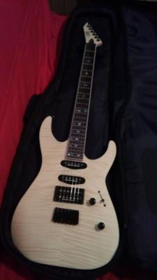 Guitarra LTD/ ESP NUEVA.