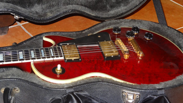 Gibson Les Paul Custom Shop red wine
