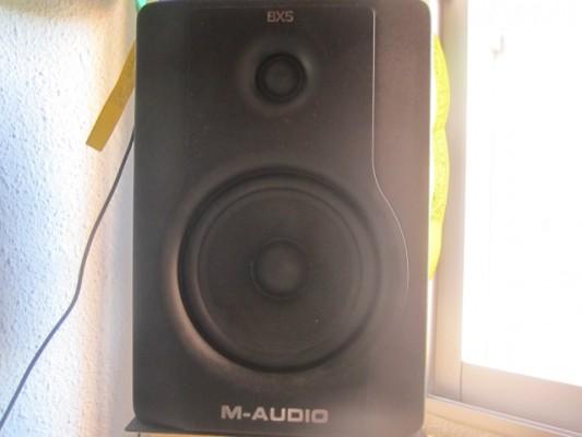 vendo monitores m audio bx 5