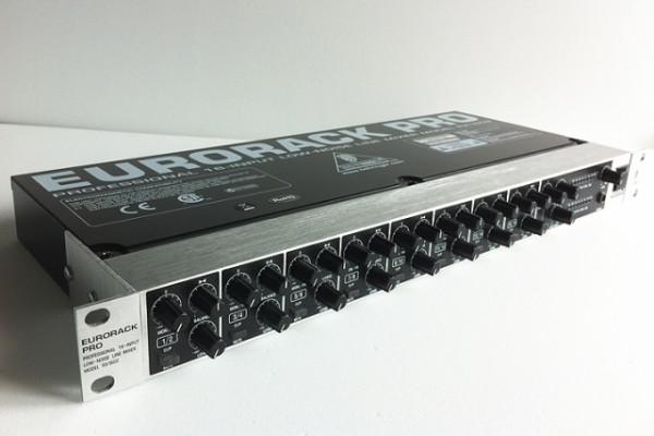 mixer Behringer RX1602 Eurorack Pro 16 canales Rackmixer