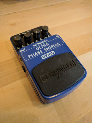 Vendo/cambio Behringer UP100 Ultra Phaser