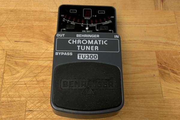 Afinador Behringer TU300 Chromatic Tuner