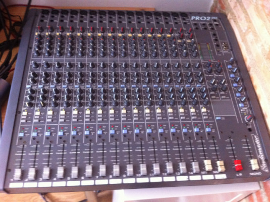 Mesa analogica studiomaster PRO2 203
