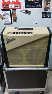 "Two tone Custom shop amp. 10""+12"""