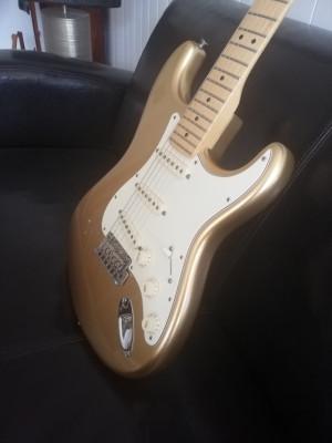 Fender stratocaster USA  60 aniv. Nueva