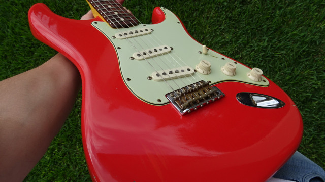 Fender Stratocaster CS Fiesta Red - RESERVADA