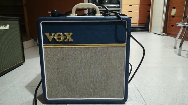 VOX AC4 BLUE