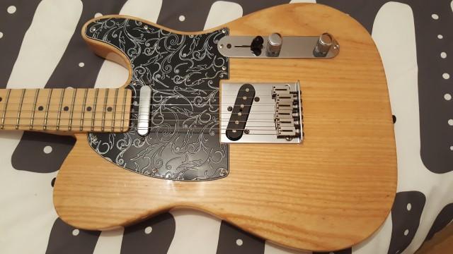Vendo Fender Telecaster USA