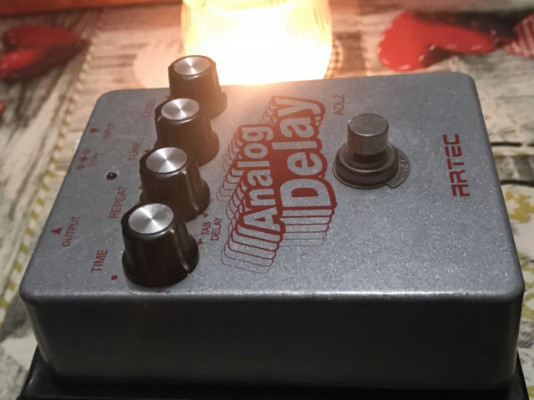 pedal delay analógico artec
