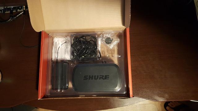 micrófono de diadema shure  PG30
