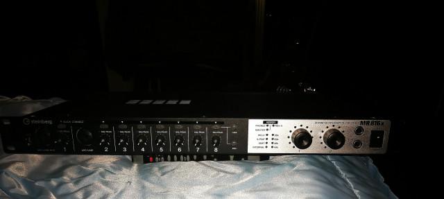 Interface audio Steinberg-Yamaha Mr816x