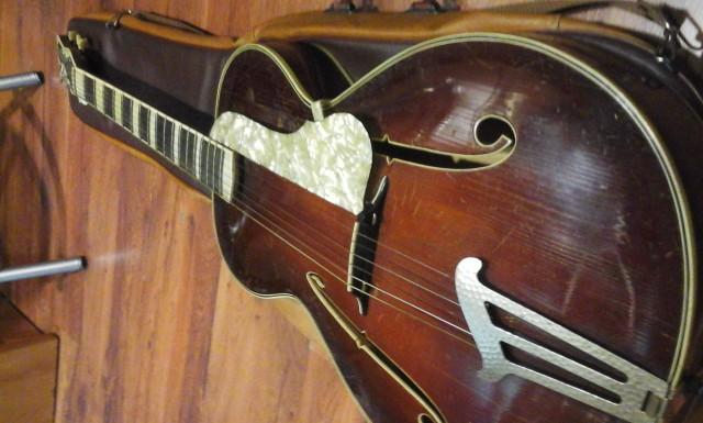 Guitarra Archtop alemana años 40's