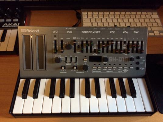 Roland Boutique SH 01A + teclado K25M