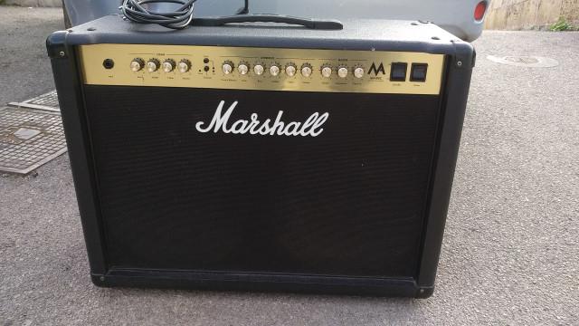 Marshall MA100c (todo válvulas)
