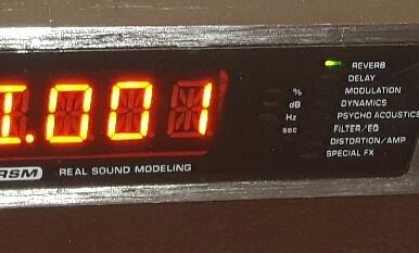 Behringer virtualiser 2000