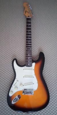 Squier by Fender Stratocaster  ZURDO 1998 KOREA