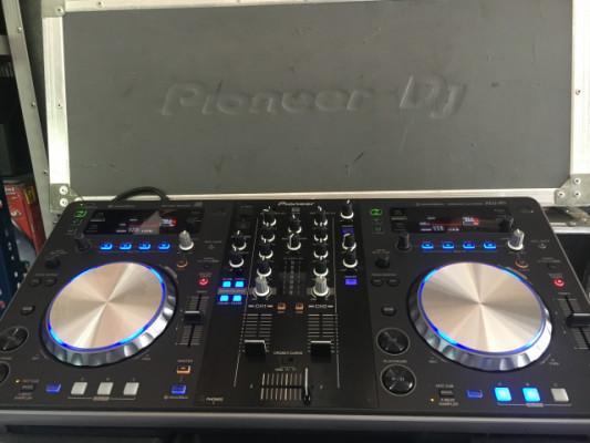 Controladores Pioneer XDJ R1