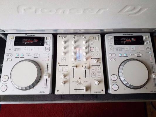 Pioneer Cdj-350 x2 (Edición Perla Blanca) + Djm-350 + Flightcase