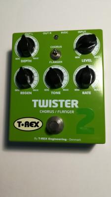 T-REX TWISTER 2 CHORUS/FLANGER NUEVO