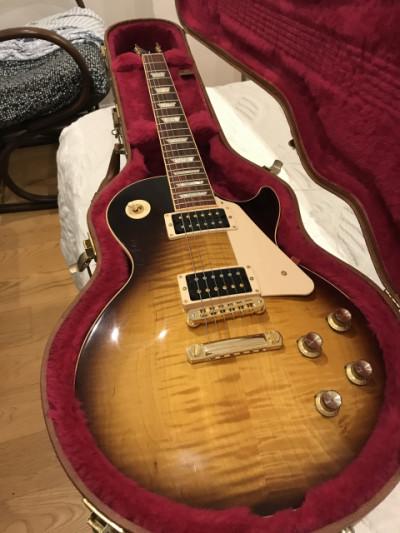 Gibson LP Signature T