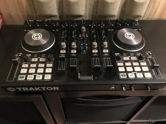 KONTROL S4 MK2 CONTROLADORA TRAKTOR DJ