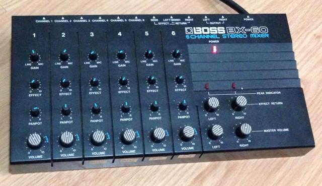 Mesa de mezclas 6 canales Boss BX-60-Rebaja