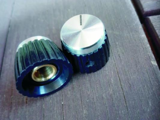 Botones de potenciómetro Marshall set screw. Plateados.