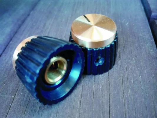 Botones de potenciómetro Marshall set screw. Dorados.