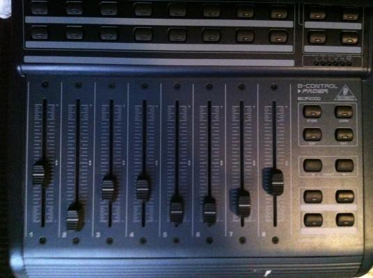 o Cambio: Controladora BCF-2000 de Behringer